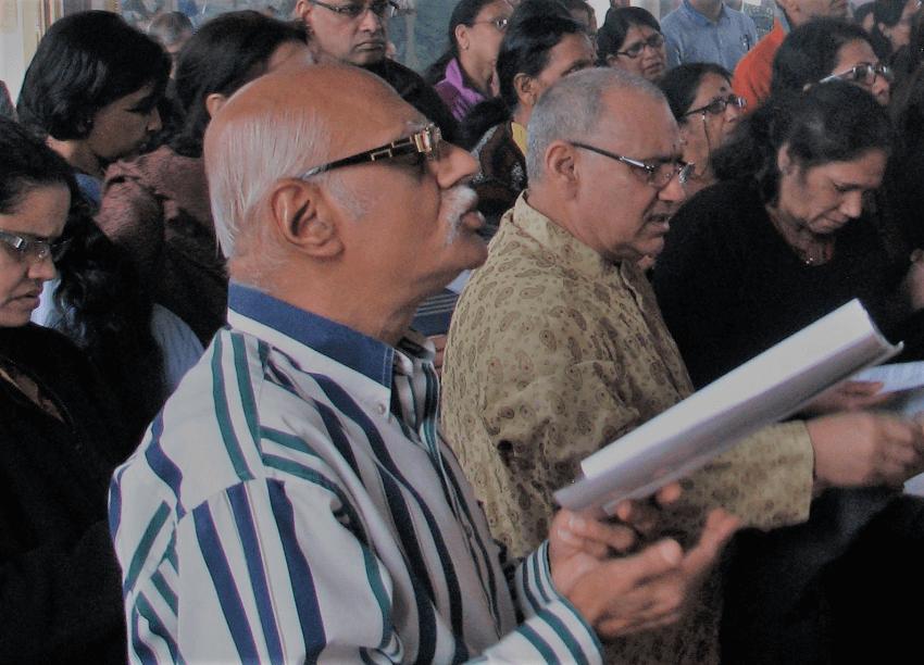 Devotees at Arathi